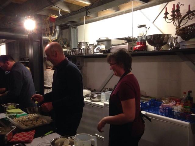 jaarvergadering met kookworkshop.jpg